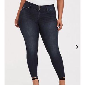Torrid dark wash Jegging Skinny Jeans Sz 22 R
